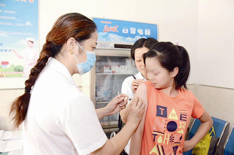 二价HPV疫苗惠民政策出台 百余位市民预约接种